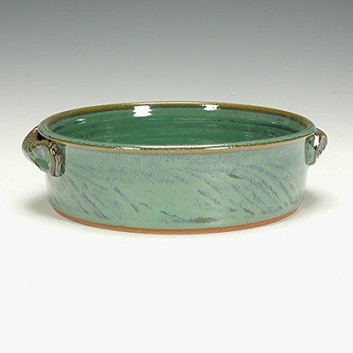 Stoneware baking dish with handles
