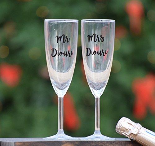 Set of 2 Wedding Toasting Flutes Wedding Toasting Champagne Glasses Mr Mrs Champagne Flutes Custom Personalized Champagne Glass