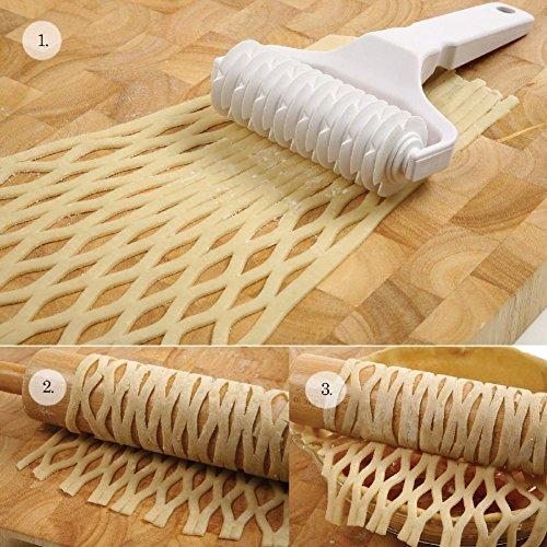 3255 Deluxe Pie Top Pastry Rolling Lattice Cutter