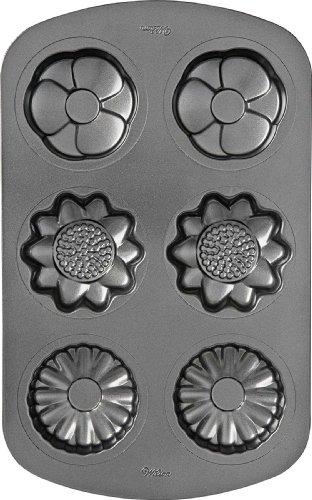 Wilton 6 Cavity Non-Stick Mini Flower Cake Pan