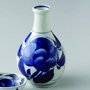 Japanese porcelain Hasami ware peony tokkuri sake bottle hsm-J03-64173