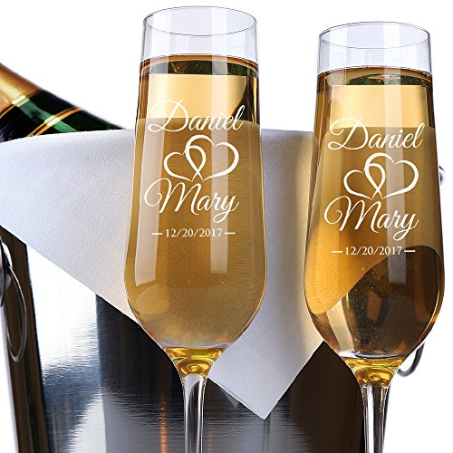 P Lab Set of 2 Bride Groom Names Date Hearts Personalized Wedding Toast Champagne Flute Set Wedding Toasting Glasses - Etched Flutes for Bride Groom Customized Wedding Gift N9