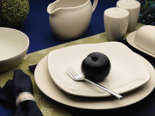Noritake Colorwave Cream - 4 piece place setting