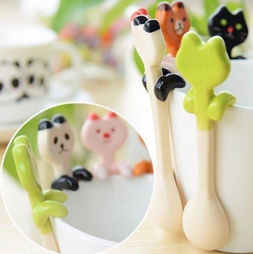 UChic 2PCS Lovely Animal Ceramic Spoon Teaspoon Sauce Spoon Scoop Stirring Mixing Coffee Spoon Creativity Cartoon Tableware Style Random