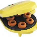 Babycakes-Dn-6-Mini-Doughnut-Maker-Yellow-6-Donut10.jpg